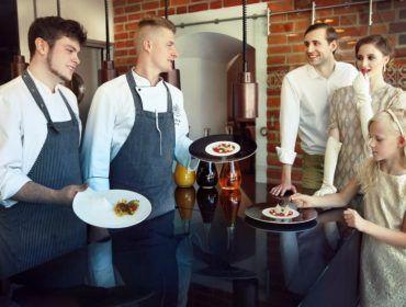 Fot. użyczone   W Restauracji Zamku Topacz, tak jak i w całym obiekcie, tradycja w idealnych proporcjach łączy się z nowoczesnością.